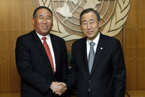 Lead Chinese negotiator Xie Zhenhua with UN Secretary-General (Source: Ban Ki Moon)
