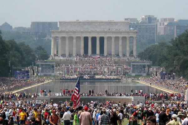 A Tea Party rally in Washington. www.RTCC.org