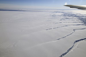 New report: West Antarctic ice shelves tearing apart