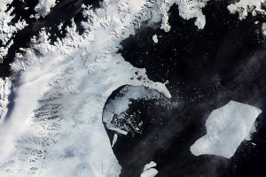 Just 15% of Antarctic ice shelf remains