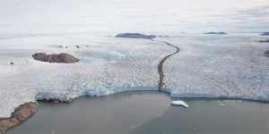 Greenland ice loss comes in fits and starts say scientists