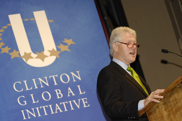 Bill Clinton backs green business to drag USA out of economic blues