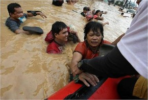 Philippines warn Typhoon Bopha heralds new age of climate disasters