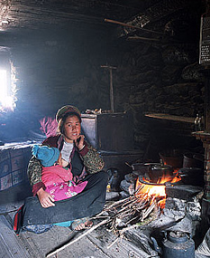 Nepal aims to go smoke-free by 2017