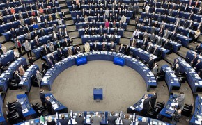 Comment: EU climate policy at a crossroads