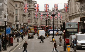 Central London shuts out traffic in effort to go green