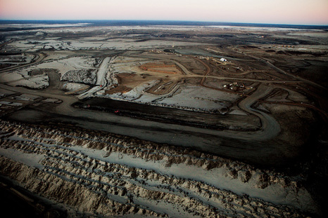 Alberta's oil sands at dusk (Pic: Kris Krug)