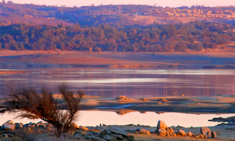California's vast Folsom Lake has revived after storms, but water levels are still dangerously low (Pic: ewoerlen/Flickr)