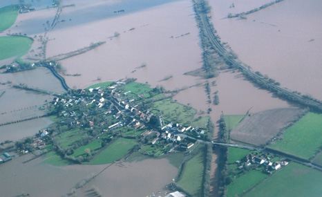 Flooding on the Somerset levels (Pic: Environment Agency/Flickr)
