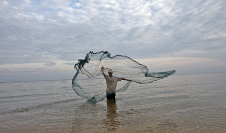 Fishing exclusion zones can push people who depend on these resources further into poverty (Pic UN Photos)
