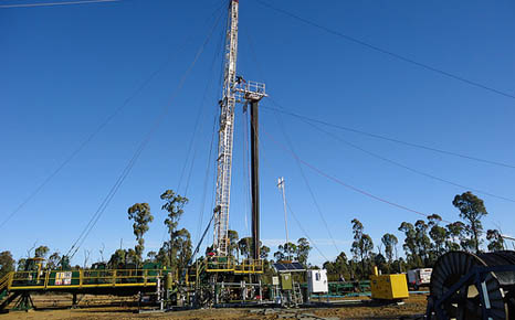 Fracking-rig_3-px466