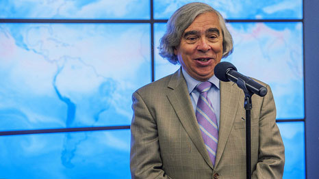 Ernest Moniz and Gina McCarthy have been instrumental in reducing US emissions so far (Pic: Sandia Labs/Flickr)