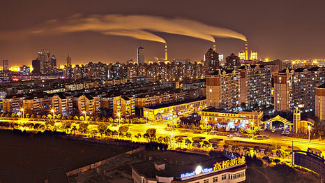 An industrial zone of Shanghai by night (Pic: Konstantinos Kazantzoglou/Flickr)