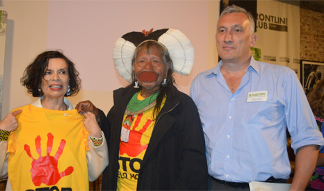 Bianca Jagger and Chief Raoni Metuktire of the Kayapó tribe want Brazil's government to halt its hydro plans