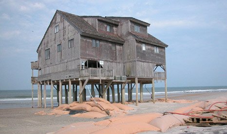 Beach erosion in North Carolina - an increasing concern if sea levels rise (Pic: Soil Science.info/Flickr)