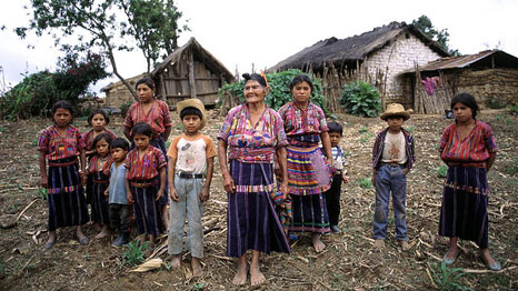 A Cakchiquel family in the hamlet of Patzutzun, Guatemala (Pic: UN Photo)