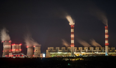 Bełchatów coal power station in Poland, one of Europe's dirtiest plants. The country granted €7 billion in fossil fuel subsidies in 2011. (Flickr/ Kamil Porembiński)