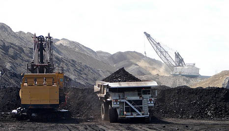 A mine in Wyoming, the biggest coal producing state in the US (Pic: Flickr/eastcolfax)