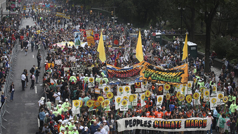 An estimated 310,000 people took to the streets of New York on Sunday to back climate action (Pic: Avaaz/John Minchillo)