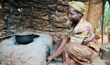 Without adequate supplies of electricity, many Africans rely on open fires for cooking and heat (Pic: UNHCR)
