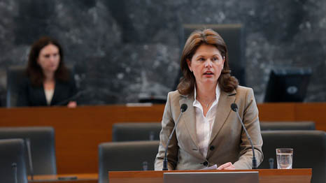 Alenka Bratusek, former prime minister of Slovenia, is in line for a top EU energy job (Pic: Slovenian government)