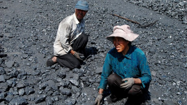 Coal workers in Shizuishan (Pic: Bert van Dijk/Flickr)