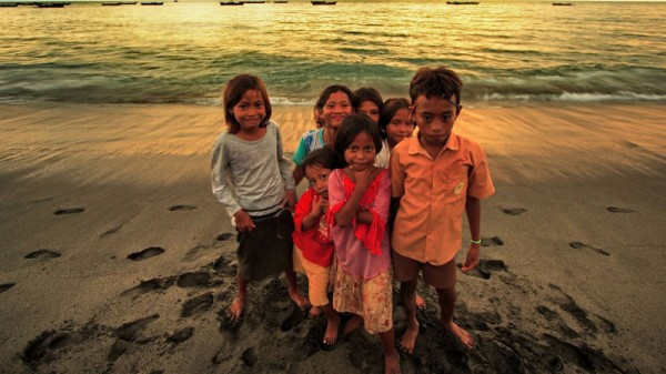 Children from a fishing village in Indonesia (Pic: Fadil Basymeleh/Flickr)