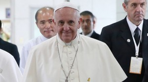 Pope Francis backs global efforts to tackle climate change