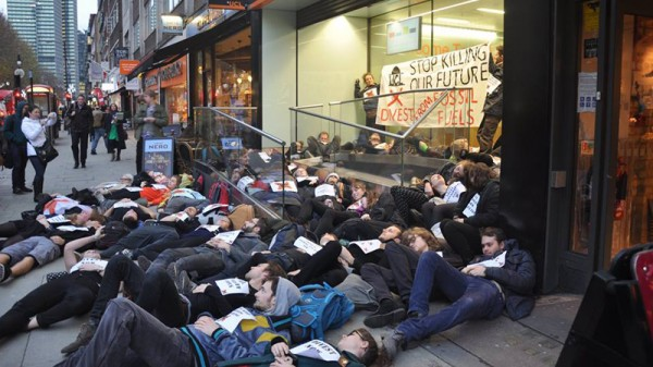 """UCL students stage a """"die-in"""" (Pic: Fossil Free UCL)"""