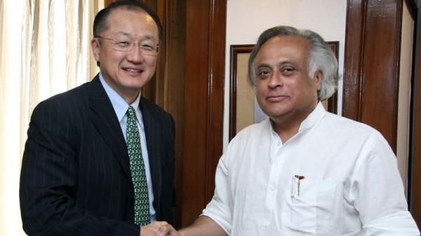 Jairam Ramesh with World Bank president Jim Yong Kim (Pic: U.S. Embassy New Delhi/Flickr)