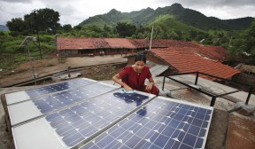 India's solar plans receive billion dollar boost