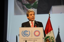 Late deal in Lima saves UN climate talks from collapse