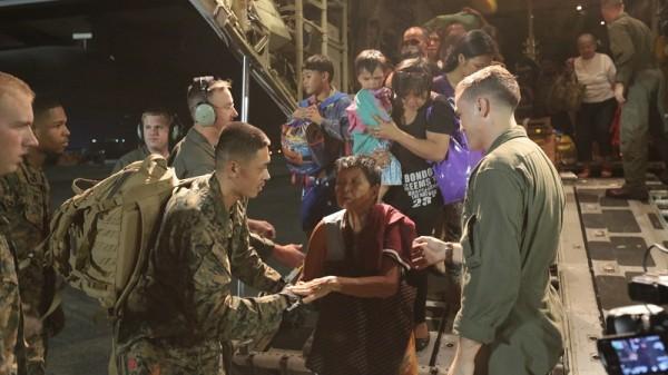 US Marines help Filipino victims of last year's Typhoon Haiyan (Pic: Flickr/DVIDSHUB)