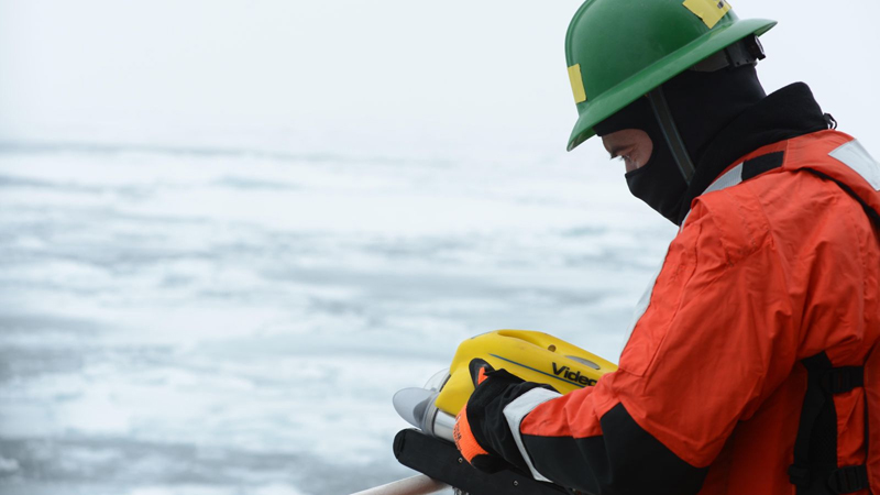The US Coast Guard simulates responding to an oil spill in the Arctic (Pic: Flickr/Coast Guard News)