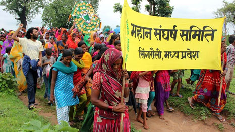 Villagers march against the proposed coal development in the Mahan forest (Pic: Greenpeace India)