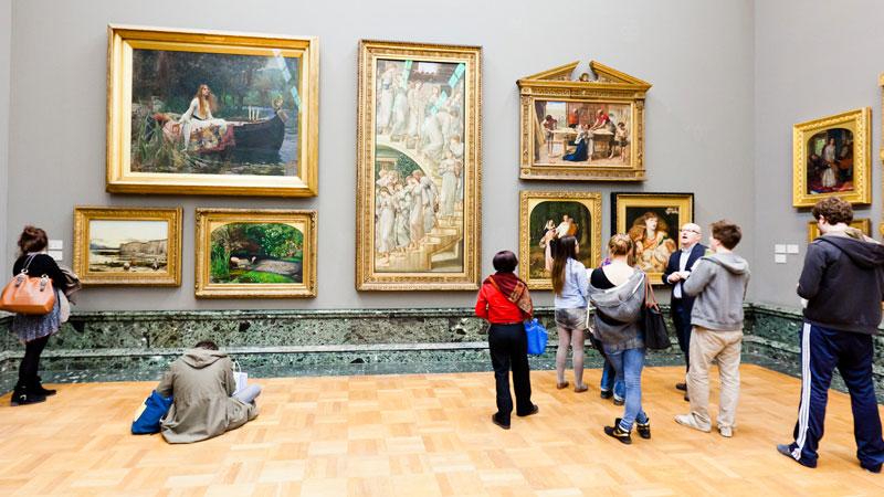 The pre-Raphaelite room at Tate Britain (Pic: alh1/Flickr)