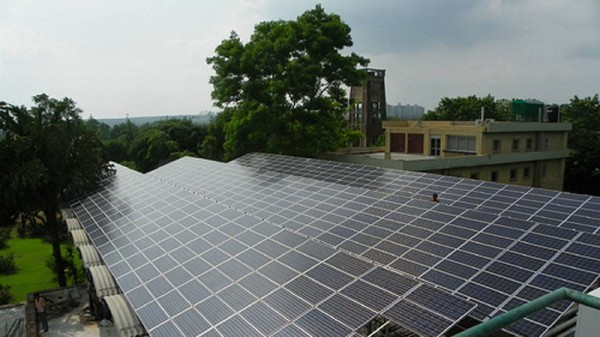 India aims to install 100GW of solar power by 2022 (Pic: VM2827/Flickr)
