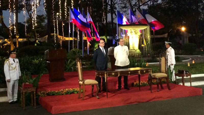 Hollande and Aquino launched the declaration outside in the Philippines (Pic: UNEP)