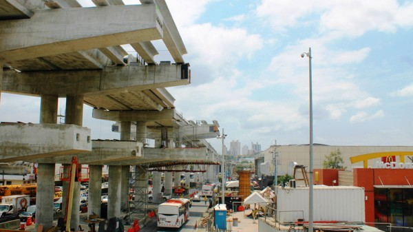 Citi raised US$862 million to fund the Panama Metro, which will cut car traffic (Pic: Flickr/gil2594)