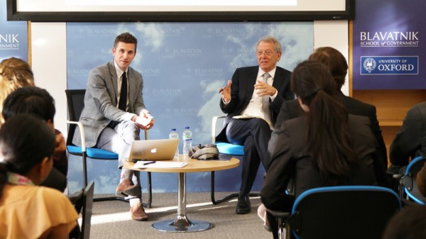 Sir David King (right) debriefs the students after two days of mock negotiations (Pic: Blavatnik School of Government)