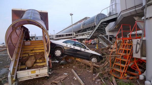 Sendai airport after the 2011 Tohoku earthquake and tsunami (Pic: Flickr/Roberto de Vido)