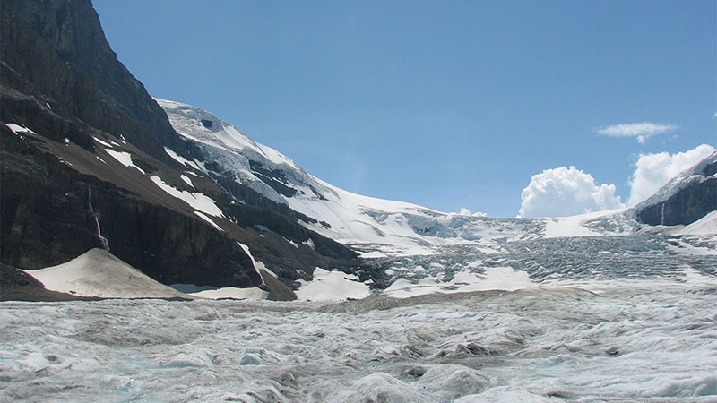 Athabasca glacier in British Columbia, Canada (Pic: Alex Dawson/Flickr)