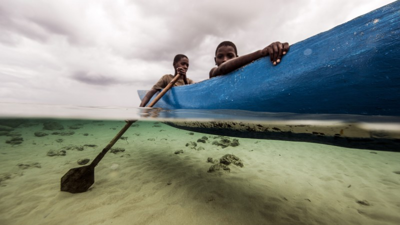 Boys in boat, Mozambique (Pic: WWF)