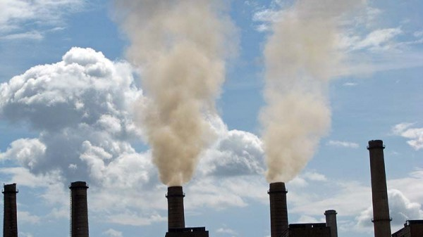 Coal power generation hurts health twice: first from air pollution, then from warming climate (Photo: Lundrim Aliu / World Bank)