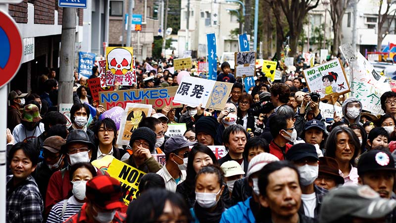 Anti nuclear power protests in Japan in 2011 (Flickr/ Matthias Lambrecht)
