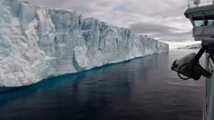 "Scientists warn of ""runaway"" West Antarctic ice melt"
