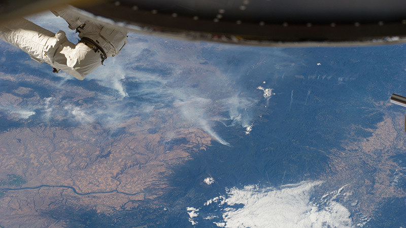 US wildfires viewed from the Earth-orbiting International Space Station in 2014 (Pic; NASA/Flickr)