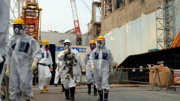 Nuclear experts survey decommissioning at Fukushima Daiichi (Pic: Flickr/IAEA Imagebank)
