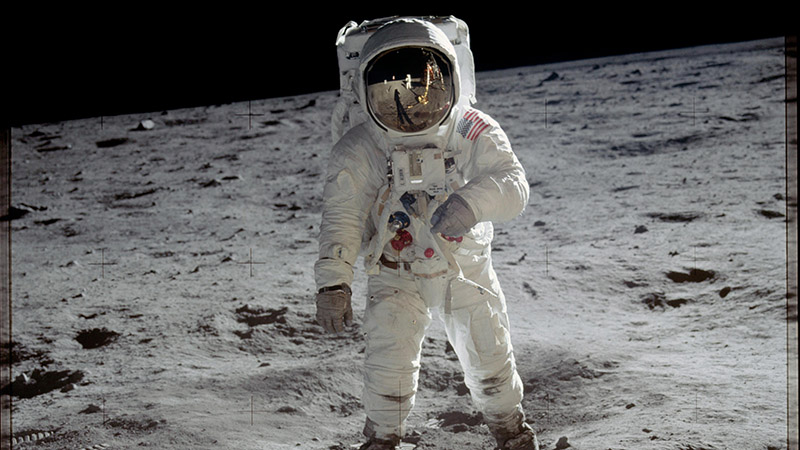 Astronaut Buzz Aldrin walks on the surface of the moon near the leg of the lunar module Eagle during the Apollo 11 mission. (Pic; NASA)