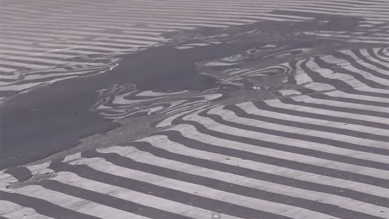 Intense heat in India caused some roads to melt (Pic: GeoBeats News/Screengrab)